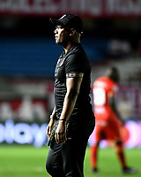 CALI-COLOMBIA, 01-06-2019: Jeisson González, técnico de América de Cali, durante partido entre América de Cali y Deportivo Pasto, de la fecha 5 de los cuadrangulares semifinales por la Liga Águila I 2019 jugado en el estadio Pascual Guerrero de la ciudad de Cali. / Jeisson Gonzalez, coach, of America de Cali, during a match between America de Cali and Deportivo Pasto, of the 5th date of the semifinals quarters for the Aguila Leguaje I 2019 at the Pascual Guerrero stadium in Cali city. Photo: VizzorImage / Nelson Ríos / Cont.