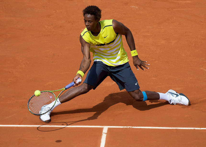 Gael MONFILS  (FRA) (11) against Bobby REYNOLDS (USA) in the 1st round (First Round) of Roland Garros. Gael Monfils bt Bobby Reynolds 6-2 6-3 6-1..Tennis - French Open - Day 3 - Tue 26 May 2009 - Roland Garros - Paris - France..