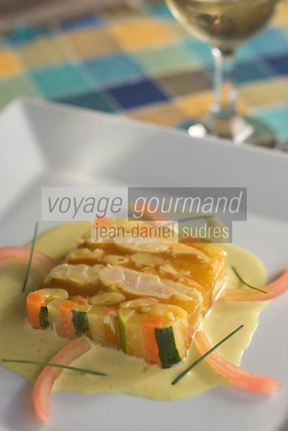 France/DOM/Martinique/Le François: Terrine de Vivaneau et Crevettes  de Guyane en gelée safranée , recette d'Hervé Rameau chef de l'Hôtel Cap Est Lagoon Resort & Spa