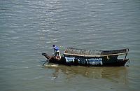 Asie/Malaisie/Bornéo/Sarawak/Kuching: Barque pittoresque sur la mer