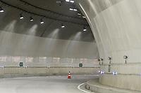 """LA LINEA - COLOMBIA, 29-08-2020: Túnel Osos. El túnel principal """"La Línea"""" tiene una longitud de  8,65 km y hace parte de El Túnel de La Línea el proyecto de infraestructura vial más importnate de Colombia que está es fase final de construcción conectará de manera eficiente los departamentos colombianos de Quindío y Tolima. El plan además consta de 24 puentes y 20 túneles de diferentes longitudes. / Osos tunnel. The main tunnel """"La Línea"""" has a length of 8.65 km and is part of El Túnel de La Línea, the most important road infrastructure project in Colombia, which is in the final phase of construction and will efficiently connect the Colombian departments of Quindío and Tolima. The plan also consists of 24 bridges and 20 tunnels of different lengths. Photo: VizzorImage / Gabriel Aponte / Staff"""