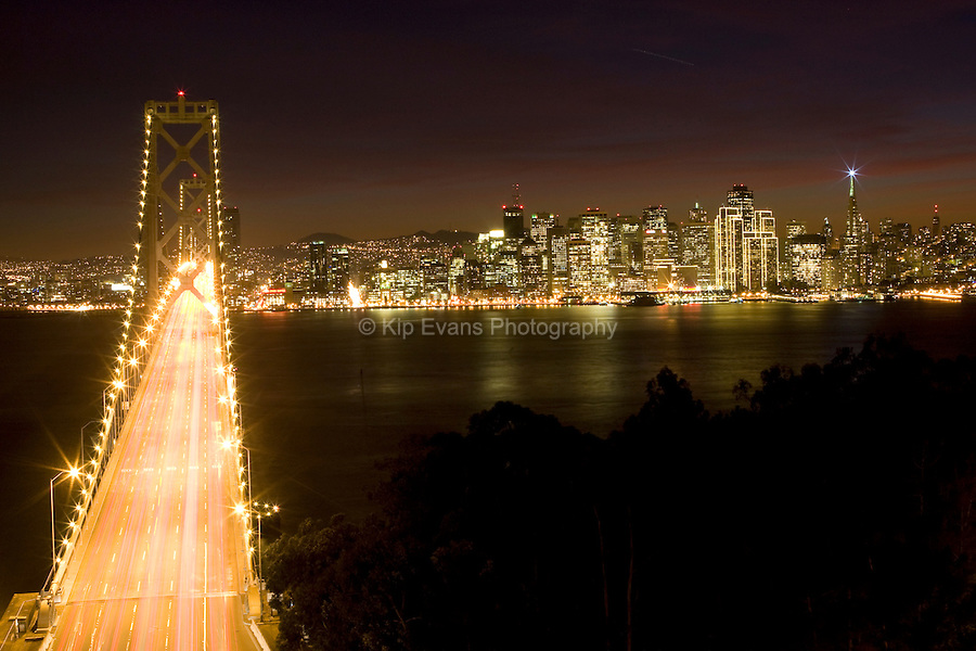 Golden Gate Bridge and San Francisco at night.