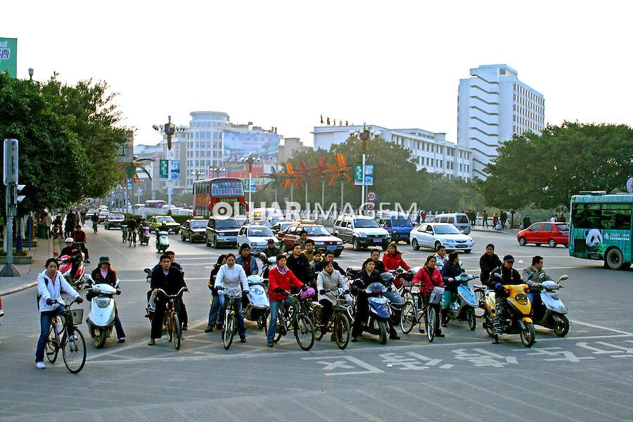 Sistema de transportes na cidade de Liuzhou. China. 2007. Foto de Flãvio Bacellar.