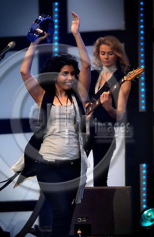 Capturefile: D:\DATA\Fotos\Negativer\Canon DSLR\20070707 Hamburg Live Earth Concert med Marie Mena fra Norge\20070707DEJ-0923.CR2..CaptureSN: 408990.066192..Software: Capture One PRO for Windows..