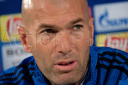 05.04.2016. Wolfsburg, Germany.  Real Madrid's head coach Zinedine Zidane delivers remarks during a  press conference at the Volkswagen Arena in Wolfsburg, Germany, 05 April 2016. Real Madrid will face VfL Wolfsburg in a UEFA Champions League quarter final soccer match to be held on 06 April.