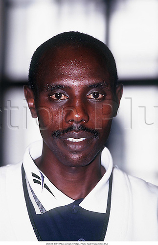 MOSES KIPTANUI, portrait, 970828. Photo: Neil Tingle/Action Plus...1997.athletics.portrait.man.track and field.male