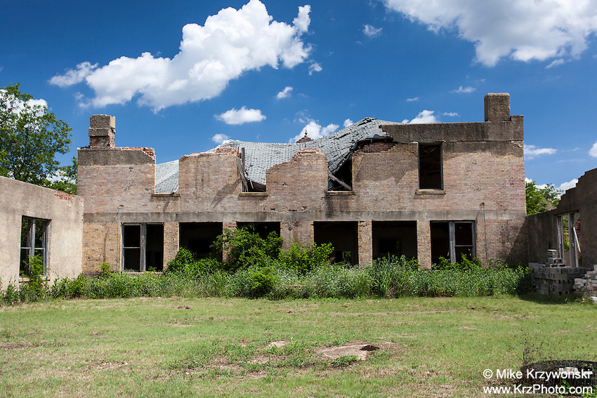 Ruins of old school building in Mosheim, TX