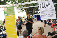 """Paris. Olivier Darné on a summer's evening at the """"hive aperitif"""" in the Butte de Chapeau Rouge park in the 19th district of Paris. Olivier Darné calls himself a """"graphifarmer"""" (graphiculteur), one who breeds both images and bees."""