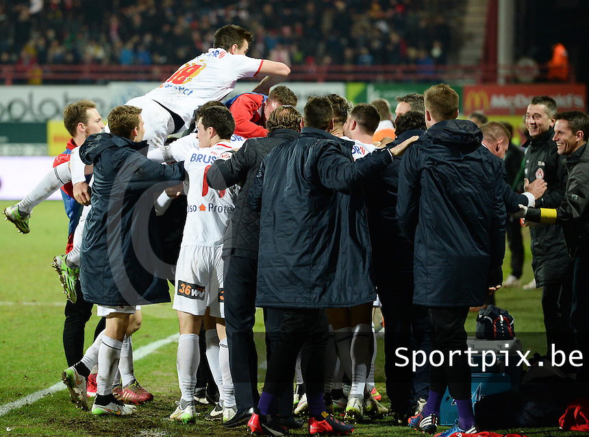 KV Kortrijk - Cercle Brugge : Kortrijk viert de 1-0 <br /> foto VDB / BART VANDENBROUCKE