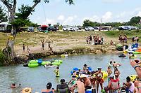 Festivalbesucher auf dem Float Fest 2017 auf der Cool River Ranch. Martindale, 23.07.2017