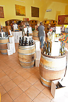 wine shop le cellier des princes chateauneuf du pape rhone france