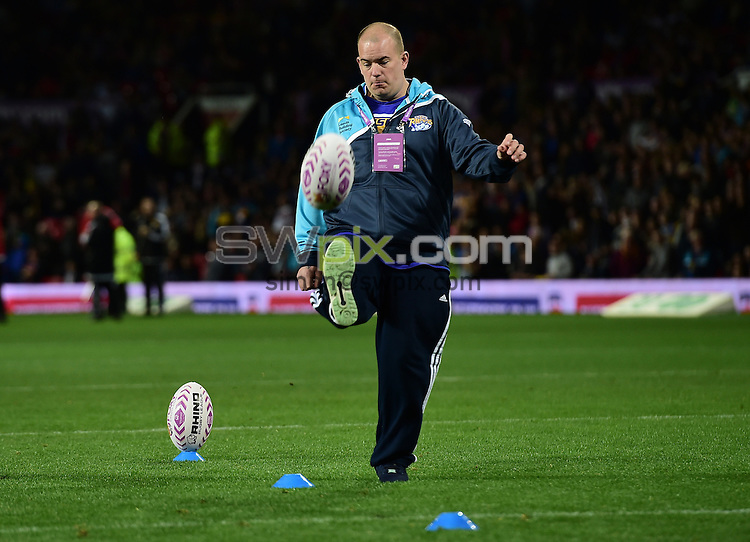 Picture by Alex Broadway/SWpix.com - 10/10/2015 - Rugby League - First Utility Super League Grand Final - Leeds Rhinos v Wigan Warriors - Old Trafford, Manchester, England - Foxy Bingo.