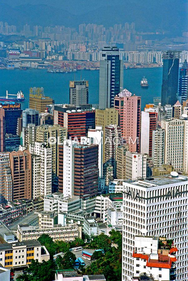 Prédios em Hong Kong. China. 1996. Foto de Flávio Bacellar.
