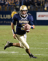16 November 2006: Pitt quarterback Tyler Palko..The West Virginia Mountaineers defeated the Pitt Panthers 45-27 on November 16, 2006 at Heinz Field, Pittsburgh, Pennsylvania.
