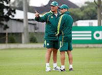 O ex jogador Euller,(e) o tecnico Luiz Feipe Scolare durante treino do Palmeiras no CT da Barra Funda,na zona oeste de Sao Paulo, na manha desta terça-feira 10.FOTO ALE VIANNA - NEWS FREE.