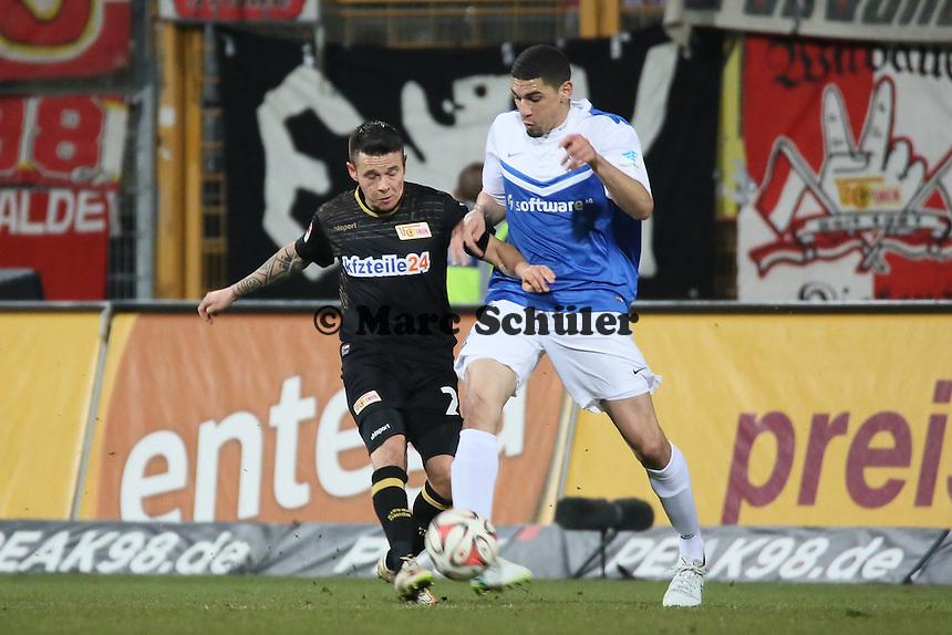 Leon Balogun (SV98) klaert - SV Darmstadt 98 vs. 1. FC Union Berlin, Stadion am Boellenfalltor