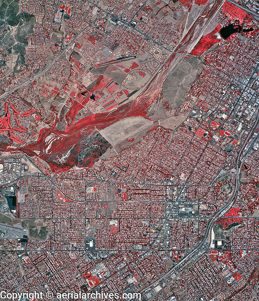 historical infrared aerial photograph of Riverside, California, 2002