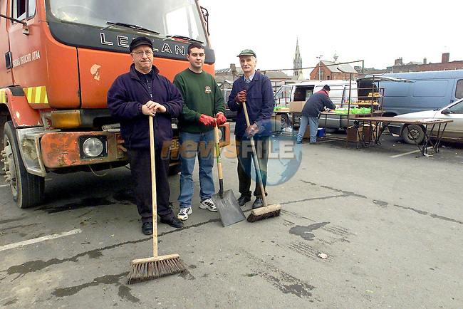 Binmen Paddy Kelly, Gareth Fitzpatrick and Gerry Buckley who went back to work during the week..Picture Paul Mohan Newsfile