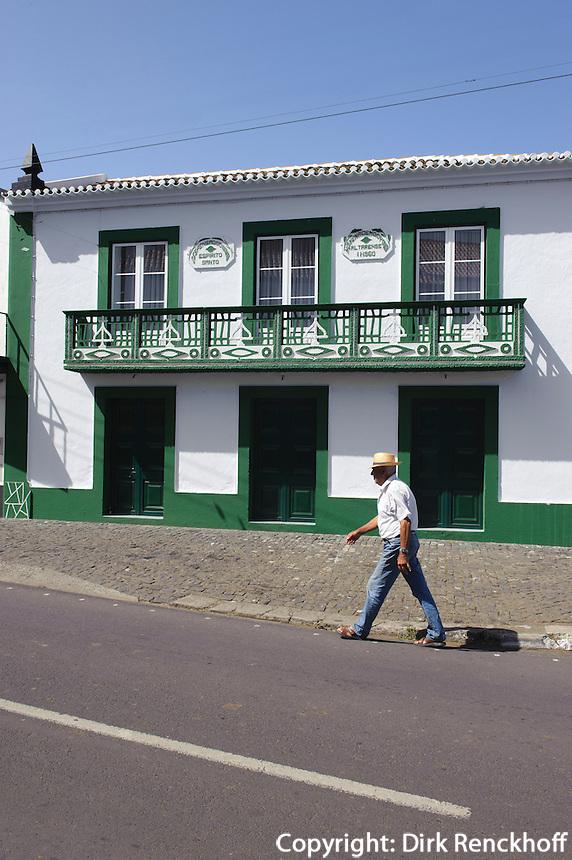 beim Heiliggeisttempel (Imperio)  in Altares auf der Insel Terceira, Azoren, Portugal