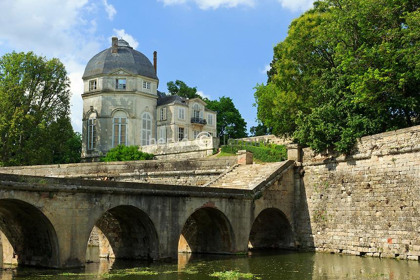 France, Loiret (45), Châteauneuf-sur-Loire, le château // France, Loiret, Chateauneuf sur Loire, the castle