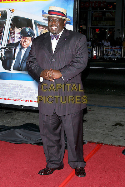 "CEDRIC THE ENTERTAINER.""The Honeymooners"" World Premiere,.at the Grauman's Chinese Theatre, .Hollywood, CA, USA, 8th June 2005..full length straw hat bow tie.Ref: ADM.www.capitalpictures.com.sales@capitalpictures.com.©Jacqui Wong/AdMedia/Capital Pictures."