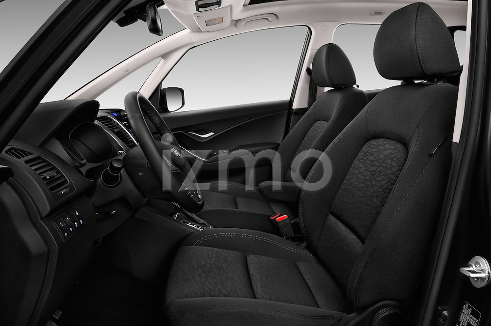 Front seat view of 2016 Hyundai ix20 Joy 5 Door Mini MPV Front Seat  car photos