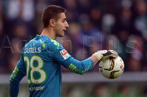27.02.2016. Wolfsburg, Germany.  Wolfsburg goalkeeper Koen Casteels in goal during the German Bundesliga football match between VfL Wolfsburg and FC Bayern Munich at the Volkswagen-Arena in Wolfsburg, Germany