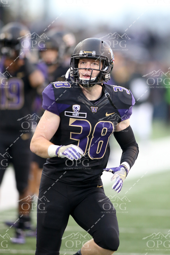 SEATTLE, WA - NOVEMBER 12:  Washington's Hayden Schuh against USC. Washington defeated USC at the University of Washington in Seattle, WA.