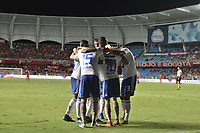 CALI - COLOMBIA, 21-04-2019: Jugadores de Millonarios celebran después de anotar el primer gol durante partido por la fecha 17 de la Liga Águila I 2019 entre América de Cali y Millonarios jugado en el estadio Pascual Guerrero de la ciudad de Cali. / Players of Millonarios celebrate after scoring the first goal during match for the date 17 as part of Aguila League I 2019 between America Cali and Millonarios played at Pascual Guerrero stadium in Cali. Photo: VizzorImage / Gabriel Aponte / Staff