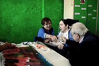 Roma, 13 Ottobre 2018<br /> Laboratori di pittura, musica, danza.<br /> Open Day  al presidio di riabilitazione per disabili.Giornata dedicata ai ragazzi e alle loro famiglie, inserita all&rsquo;interno del l progetto della CEI che fa riferimento al portale www.accolti.it.<br /> Il Presidio di Riabilitazione per disabili di via Dionisio gestito dalla Cooperativa Nuova Sair accoglie oltre 100 persone con disabilit&agrave; fisica e psichica , offre trattamenti riabilitativi in regime semiresidenziale, ambulatoriale e domiciliare.