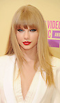 LOS ANGELES, CA - SEPTEMBER 06: Taylor Swift arrives at the 2012 MTV Video Music Awards at Staples Center on September 6, 2012 in Los Angeles, California.