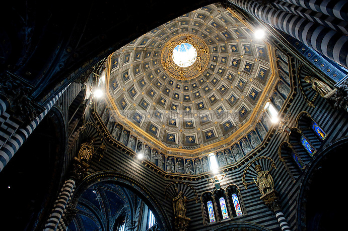 Interior of the Cathedral of Siena, (Il Duomo di Siena), constructed between  1215 and 1263, Tuscany, Italy