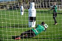 SOTOGRANDE  - Voetbal, Trainingskamp FC Groningen, seizoen 2017-2018, 11-01-2018,  FC Groningen doelman Kevin Begois