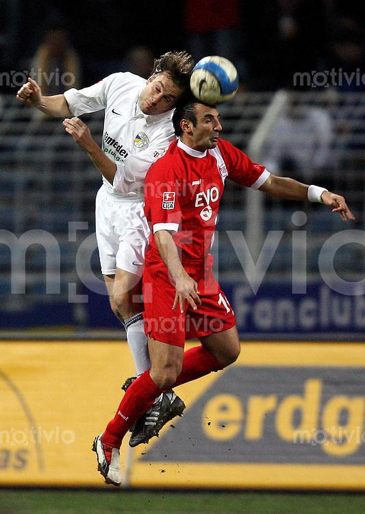 Jena , 190107 , Saison 2006/2007 ; Fussball 2.Bundesliga FC Carl Zeiss Jena - Kickers Offenbach  Kai OSWALD (Jena) gegen Suat TUERKER (Offenbach)
