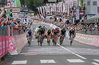bunch sprint for 2nd place<br /> <br /> Stage 17: Tirano &rsaquo; Canaze (219km)<br /> 100th Giro d'Italia 2017