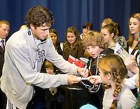 23-2-08, Netherlands, Rotterdam,  ABNAMROWTT 2008, Robin Haase signing autographs