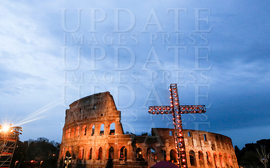 A view of the Colosseum and the cross lit ahead of the Via Crucis (Way of the Cross) on Good Friday, presided by the Pope in Rome, March 30, 2018.<br /> UPDATE IMAGES PRESS/Riccardo De Luca<br /> <br /> STRICTLY ONLY FOR EDITORIAL USE