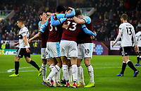 Burnley's Jeff Hendrick celebrates scoring his side's equalising goal with teammates<br /> <br /> Photographer Alex Dodd/CameraSport<br /> <br /> The Premier League - Burnley v Fulham - Saturday 12th January 2019 - Turf Moor - Burnley<br /> <br /> World Copyright © 2019 CameraSport. All rights reserved. 43 Linden Ave. Countesthorpe. Leicester. England. LE8 5PG - Tel: +44 (0) 116 277 4147 - admin@camerasport.com - www.camerasport.com