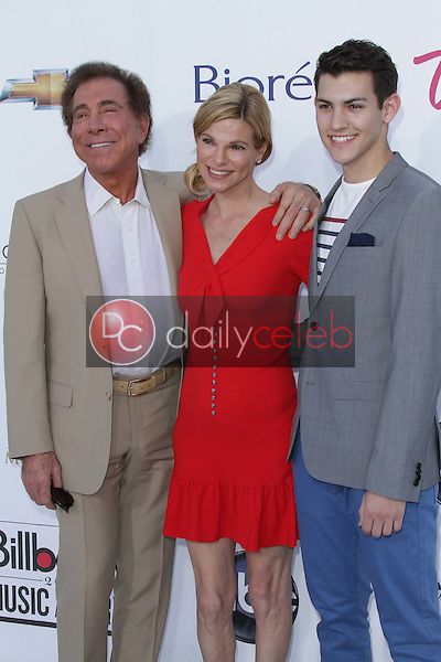 Steve Wynn and family<br /> at the 2012 Billboard Music Awards Arrivals, MGM Grand, Las Vegas, NV 05-20-12<br /> David Edwards/DailyCeleb.com 818-249-4998