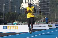 RIO DE JANEIRO; RJ; 29 DE MARÇO 2013 - Nilson de Oliveira que participará no Mano a Mano, evento de atletismo que terá Usain Bolt como atração principal na Praia de Copacabana, treinou nesta sexta-feira na pista montada especialemente para o evento. FOTO: NÉSTOR J. BEREMBLUM - BRAZIL PHOTO PRESS.