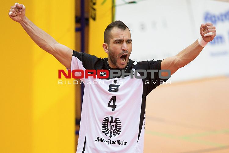 27.10.13, ENNI Sportpark, Moers,  Volleyball, Bundesliga Maenner, Moerser SC vs. VC Dresden<br />  <br /> <br /> Jubel Oscar Rodriguez (#4 Moers)<br /> <br />   Foto &copy; nph / Kurth