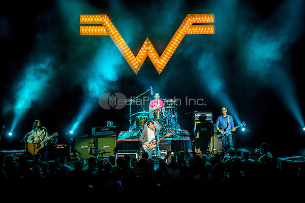 DETROIT, MI - JANUARY 14: Weezer performs at The Fillmore on January 14, 2014 in Detroit, Michigan. Credit: RTNSchwegler / MediaPunch