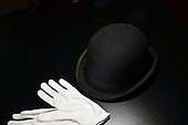Stock photo of bola hat and gloves