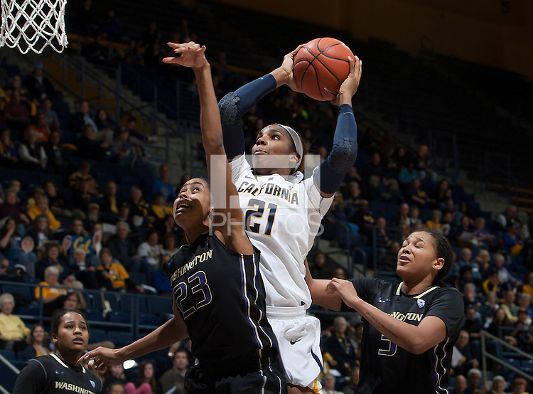 Reshanda Gray of California shoots the ball during the game against Washington at Haas Pavilion in Berkeley, California on March 1st, 2014.   Washington defeated California, 70-65.