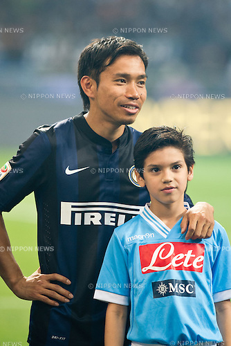 "Yuto Nagatomo (Inter), APRIL 26, 2014 - Football / Soccer : Yuto Nagatomo of Inter with a kids mascot before the Italian ""Serie A"" match between Inter Milan 0-0 SSC Napoli at Stadio Giuseppe Meazza in Milan, Italy. (Photo by Enrico Calderoni/AFLO SPORT)"
