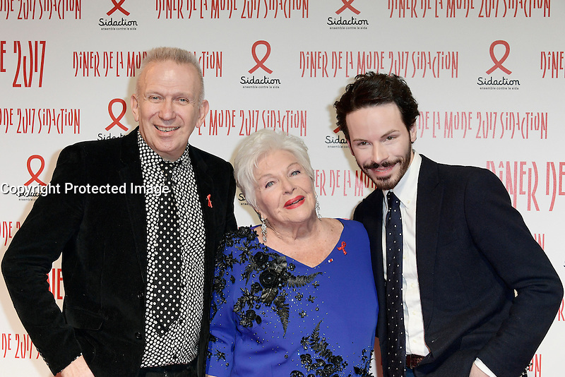 Jean-Paul GAULTIER - Line RENAUD - Bernard DEPOORTER - Diner de la mode du Sidaction 2017 - 26 janvier 2017 - Paris - France # DINER DE LA MODE DU SIDACTION 2017