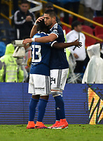 BOGOTA - COLOMBIA - 04 – 03 - 2018: Los jugadores de Millonarios, al final de partido de la fecha 6 entre Millonarios y America de Cali, por la Liga Aguila I 2018, jugado en el estadio Nemesio Camacho El Campin de la ciudad de Bogota. / The players of Millonarios, at the end of a match of the 6th date between Millonarios and America de Cali, for the Liga Aguila I 2018 played at the Nemesio Camacho El Campin Stadium in Bogota city, Photo: VizzorImage / Luis Ramirez / Staff.