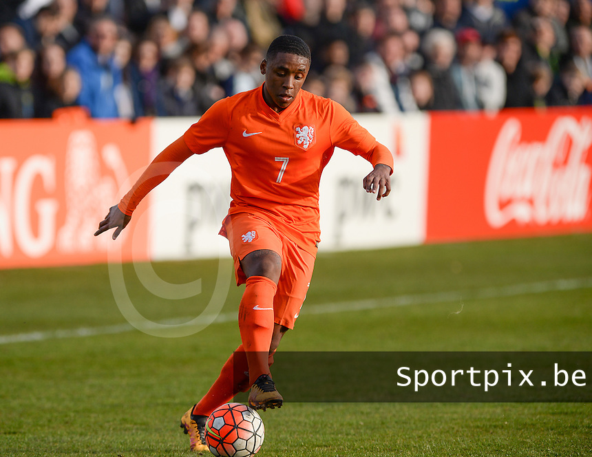 20160326  - Uden , NETHERLANDS : Dutch Steven Bergwijn (7) pictured during the soccer match between the under 19 teams of The Netherlands and Northern Ireland , on the second matchday in group 4 of the UEFA Under19 Elite rounds in Uden , Netherlands. Saturday 26 th March 2016 . PHOTO DAVID CATRY