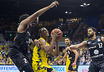 10.05.2019, EWE Arena, Oldenburg, GER, easy Credit-BBL, EWE Baskets Oldenburg vs Mitteldeutscher BC, im Bild<br /> Justin SEARS (EWE Baskets Oldenburg #0 ) James FARR (Mitteldeutscher BC #2 )<br /> <br /> Foto © nordphoto / Rojahn