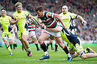 Freddie Burns of Leicester Tigers runs in a first half try. Aviva Premiership match, between Leicester Tigers and Sale Sharks on April 29, 2017 at Welford Road in Leicester, England. Photo by: Patrick Khachfe / JMP